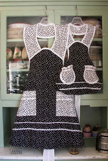 1940 Black Polka Dot Mother Daughter Apron