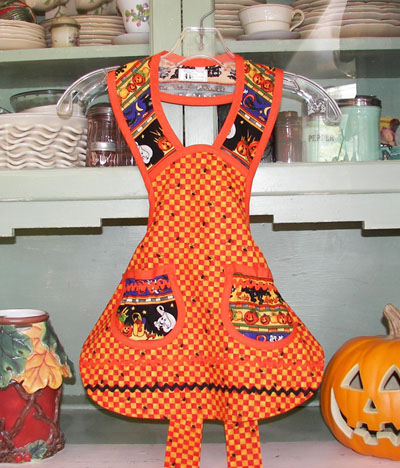 1940 Child Halloween apron, clilck for larger view