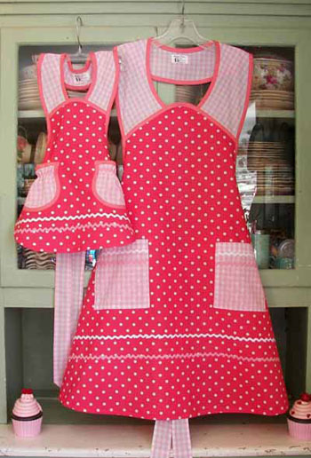 1940 Pink Polka Dot Mother Daughter Aprons
