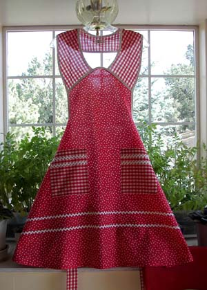 1940 Red Poka Dot, click for more 1940 aprons