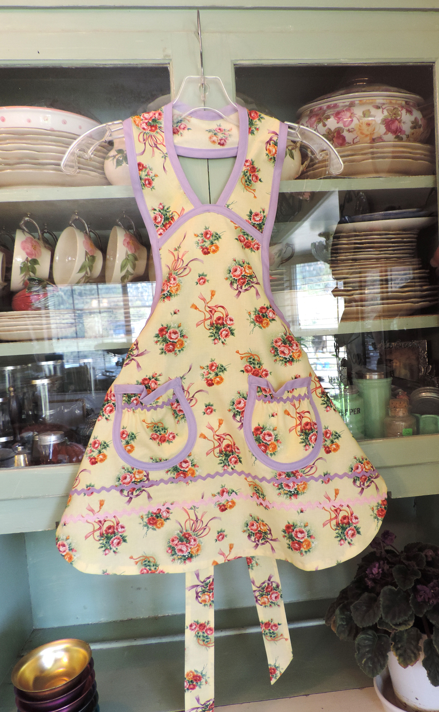 1940 Wedding Bouquet girl apron