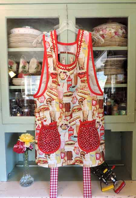 Grandma Old Fashioned cobbler Cafe Apron