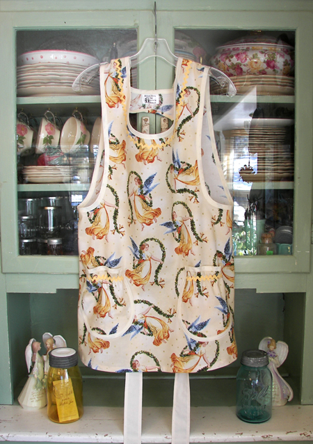 Grandma Apron Angels on Cream