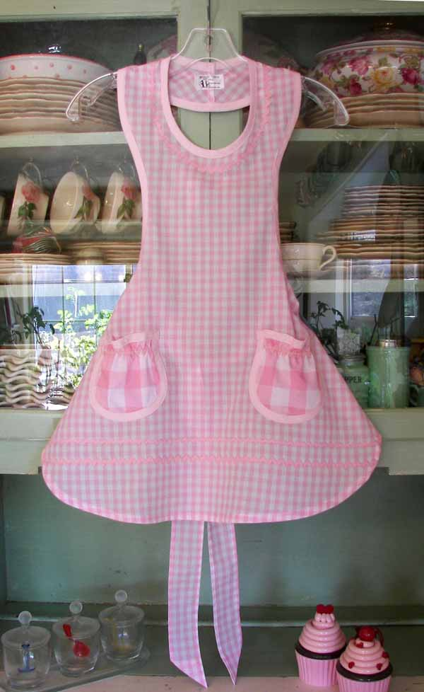 Rose apron in pink gingham