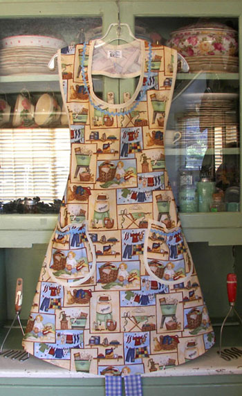 Aunt Rose Apron Good Old Days