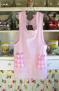 Grandma pink gingham old fashioned aprons