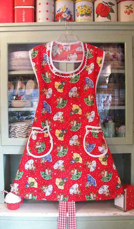Aunt Rose Christmas Girls Apron