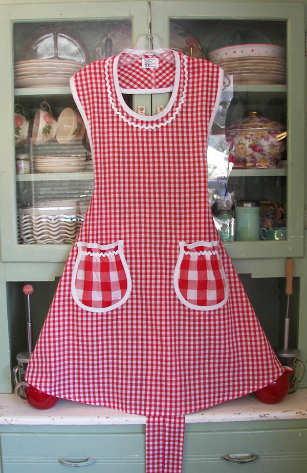 Rose Apron Red Gingham, click to go back to Rose aprons